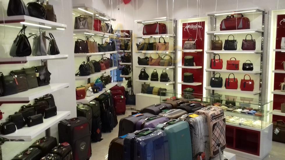 b1f4d974b22b Магазаин для продажи сумок и аксессуаров / Торговое оборудование Амур