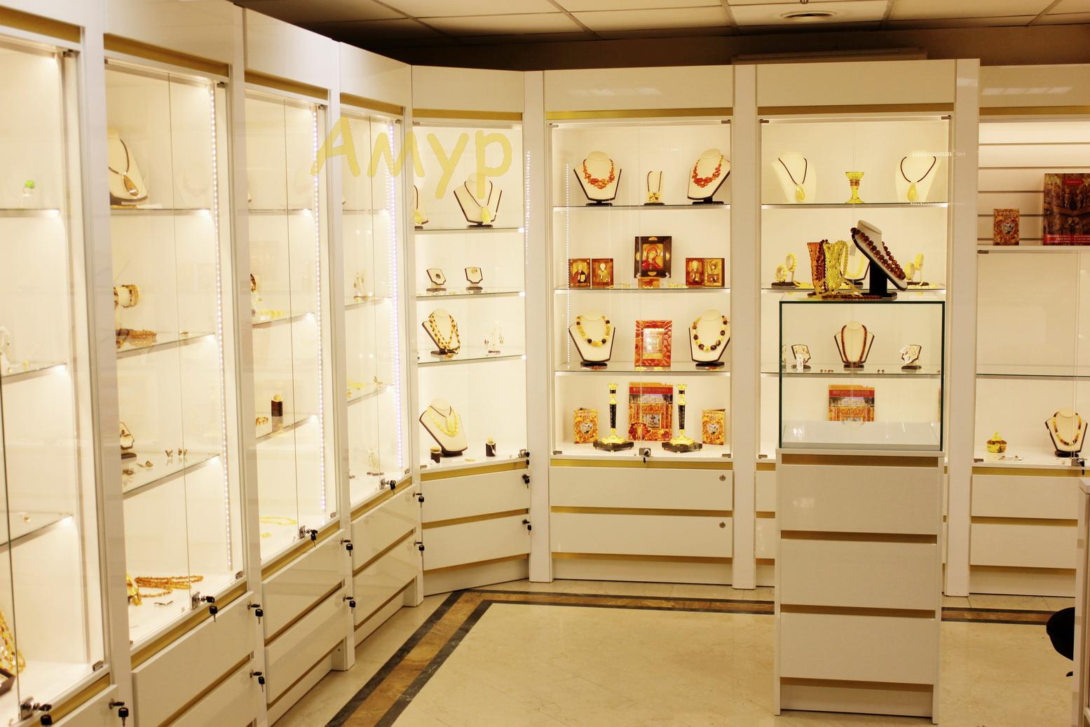 пристенные шкафы в ювелирном магазине фото всего